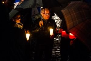 """Unter dem Motto """"Dresden bleibt Bunt"""" versammelten sich ca. 300 Dresdener vor der Frauenkirche"""