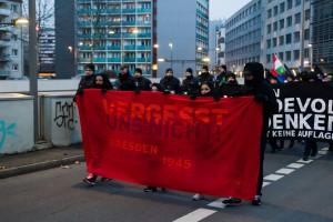 11. Februar Neonazi Demos in Dresden-31