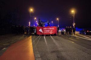 Demo an der Marienbrücke